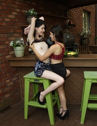 Hook Up featuring Freya Von Doom & Ivy Aura by Als Photographer