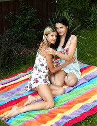 Divvy Up featuring Anie Darling & Gina Gerson by Als Photographer