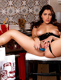 Treat for May Valentina Nappi drops down her lingerie and masturbates