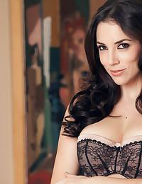 Gorgeous Jelena Jensen stimulates her wet pussy
