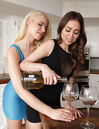 Cum hungry hotties Anikka Albrite and Riley Reid eat out each others juicy pussies then settle into a horny 69