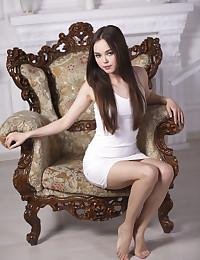 Veshi featuring Li Moon by Marlene
