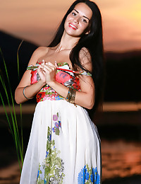 Niolta featuring Lola Marron by Matiss